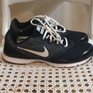 Womens Nike In Season TR Training Sneaker Size 8.5
